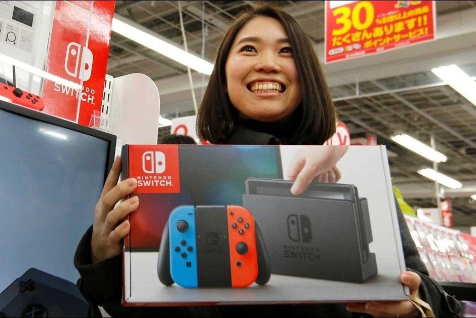 Впервые с 1988 года чарт продаж игр в Японии за неделю состоит только из игр для одной платформы (Nintendo Switch). Последний раз такой чести удостаивалась NES.