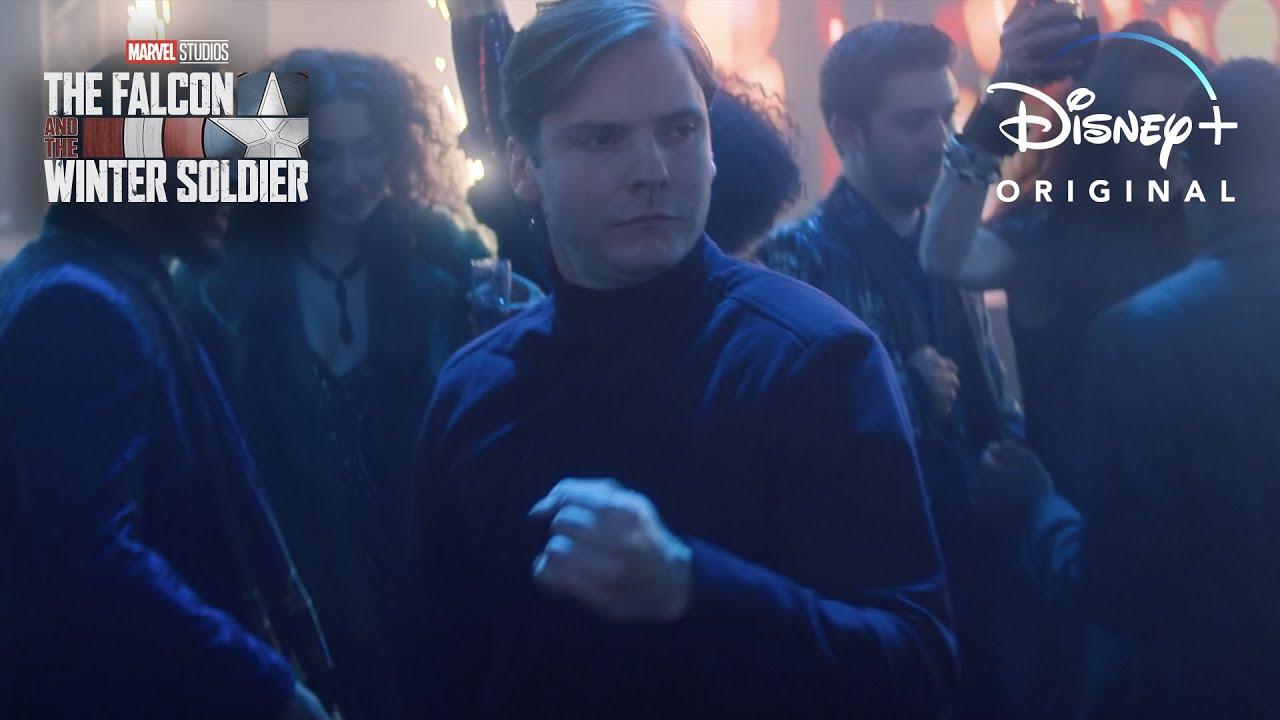 Marvel опубликовала часовую нарезку с танцем Земо из третьей серии «Сокола и Зимнего солдата»