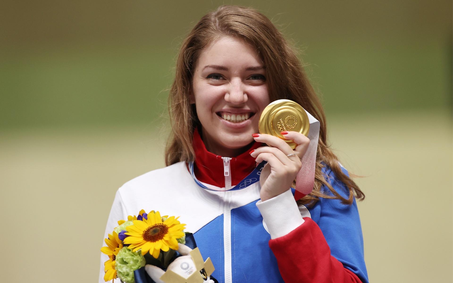 Олимпийская чемпионка Виталина Бацарашкина, завоевавшая сразу два золота самостоятельно и одно серебро в миксте с Артёмом Черноусовым, дала интервью CQ, в котором было много вопросов на игровую тематику