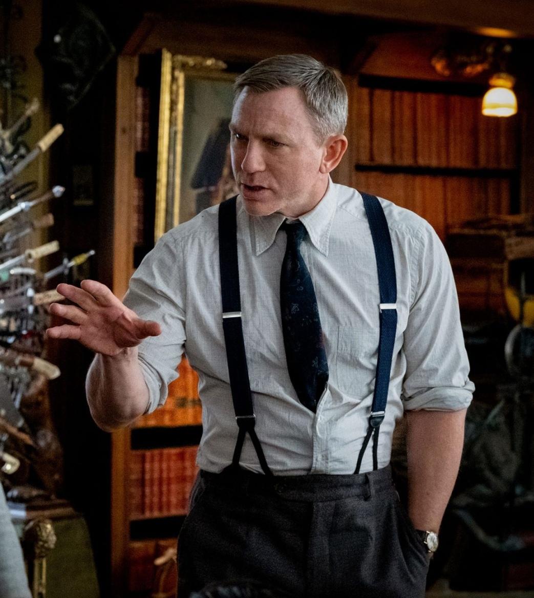 Издание Deadline сообщило, что Актер Эдвард Нортон присоединился к актерскому составу продолжения «Достать ножи»